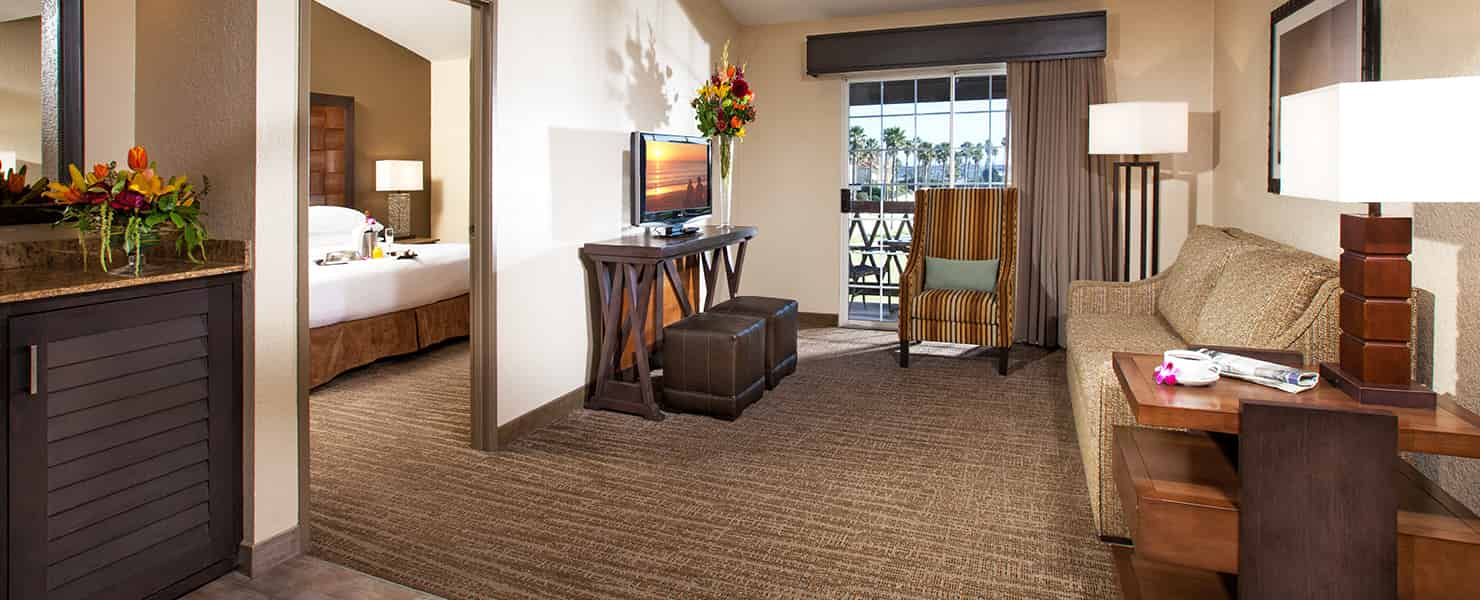 Mandalay Beach Rooms Emby Suites By Hilton Hotel Resort Two Floor Flooring Ideas And Inspiration